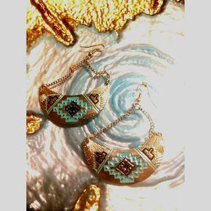 Tribal/Native Vintage Earrings~BEAUTIFUL
